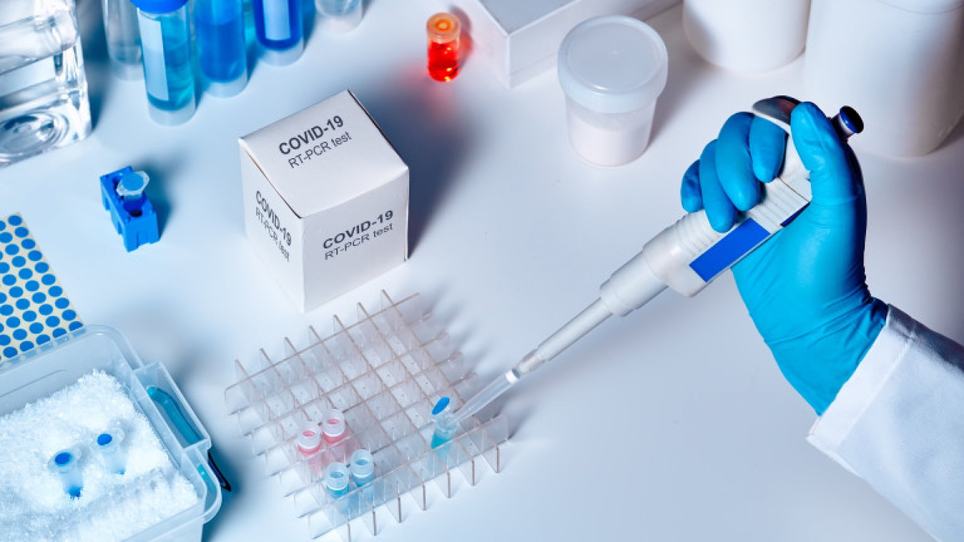212 души с доказана корона вирусна инфекция са на лечение в болници. Снимката е илюстративна