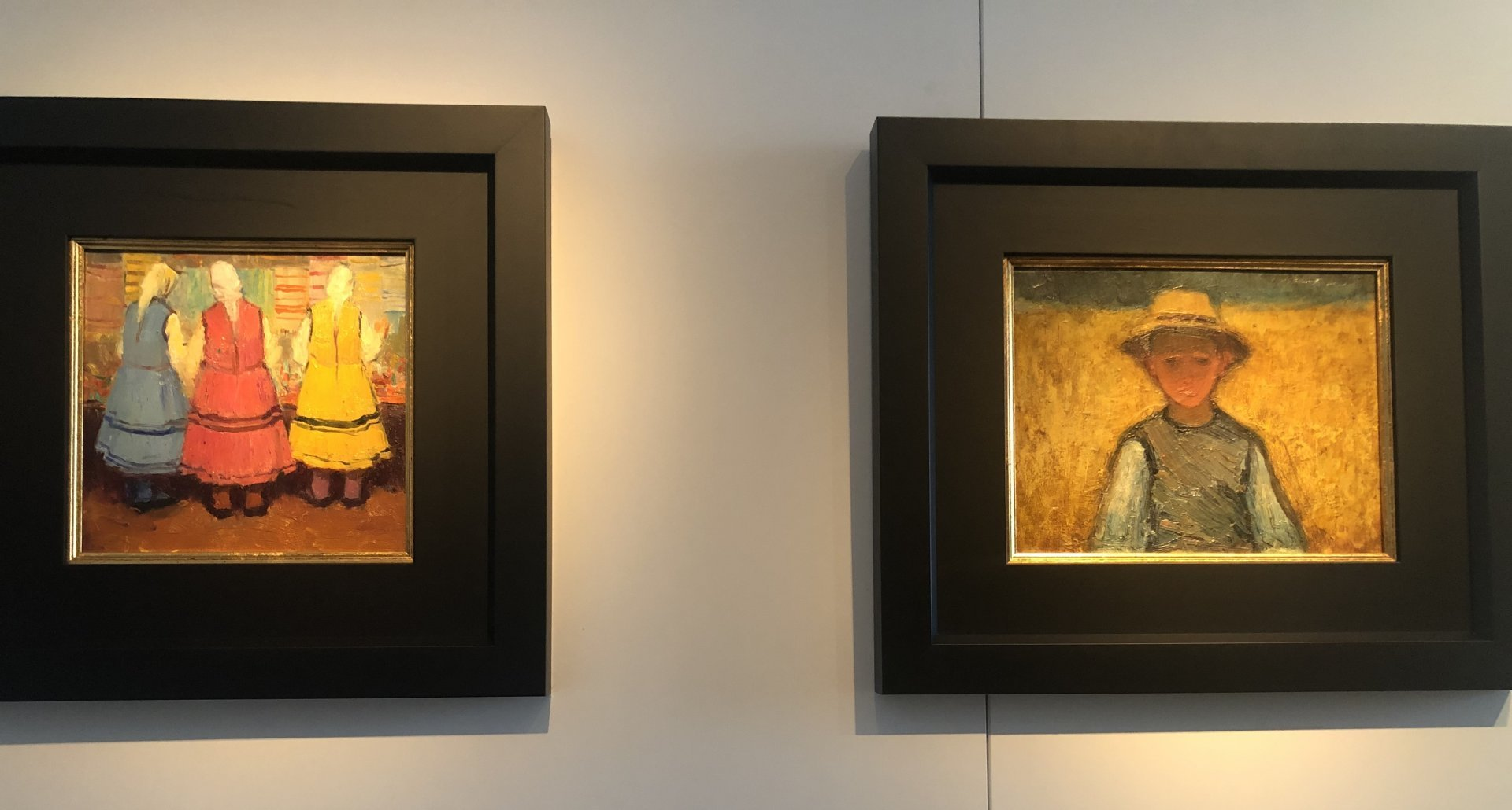 Творби на Христо Явашев - Кристо са част от експозицията на галерия Квадрат 500. Снимки Авторът