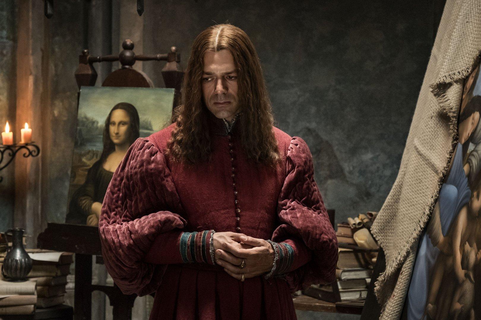 Филмът е посветен на 500 години от смъртта на Леонардо