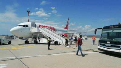 Чартърният сезон на летище Бургас започна. Снимка Черноморие-бг