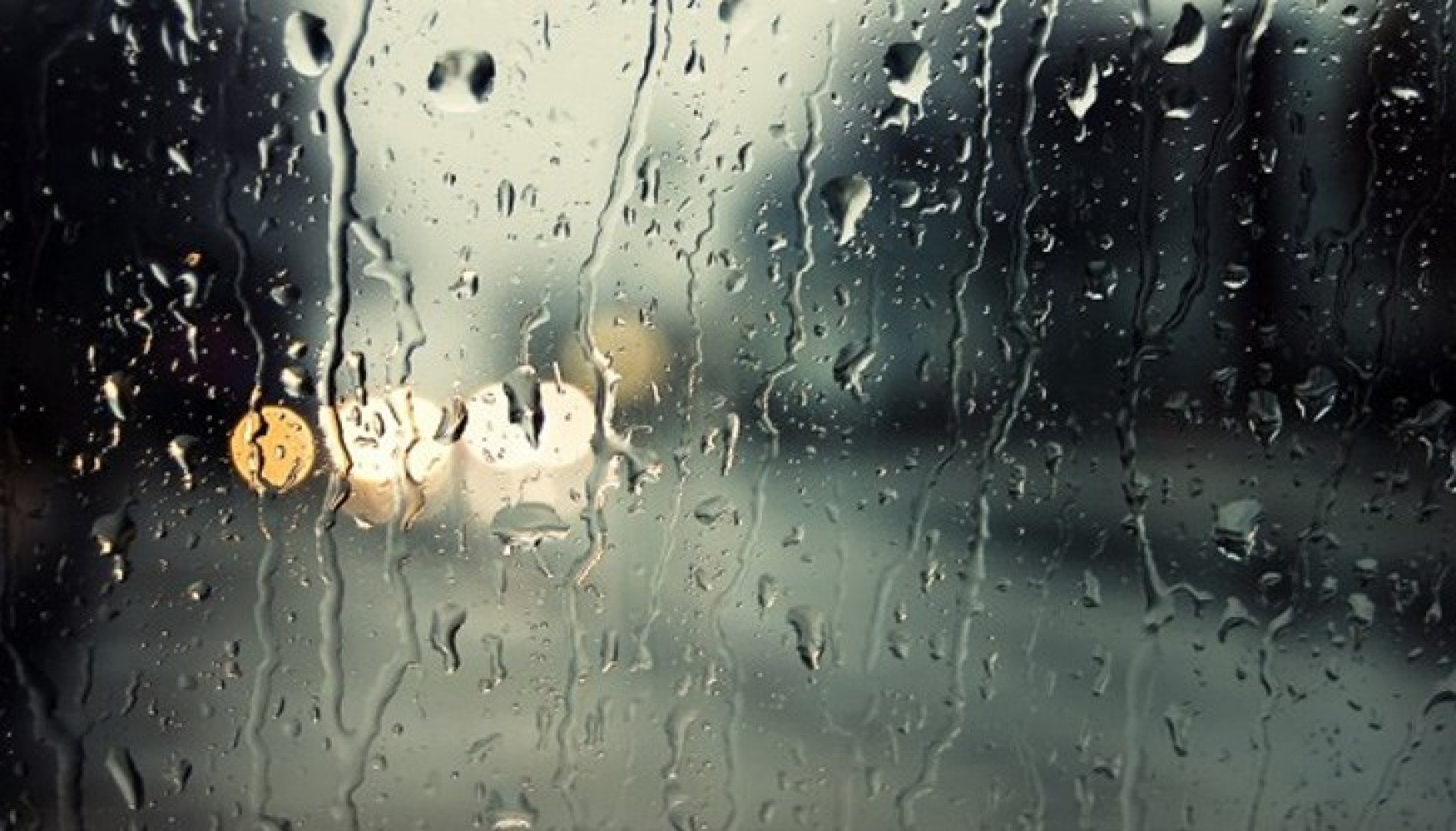 Пътищата в общината са мокри, но не са заляти от вода. Снимката е илюстративна