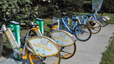 26 са местата за електровелосипеди в града. Снимка Община Бургас