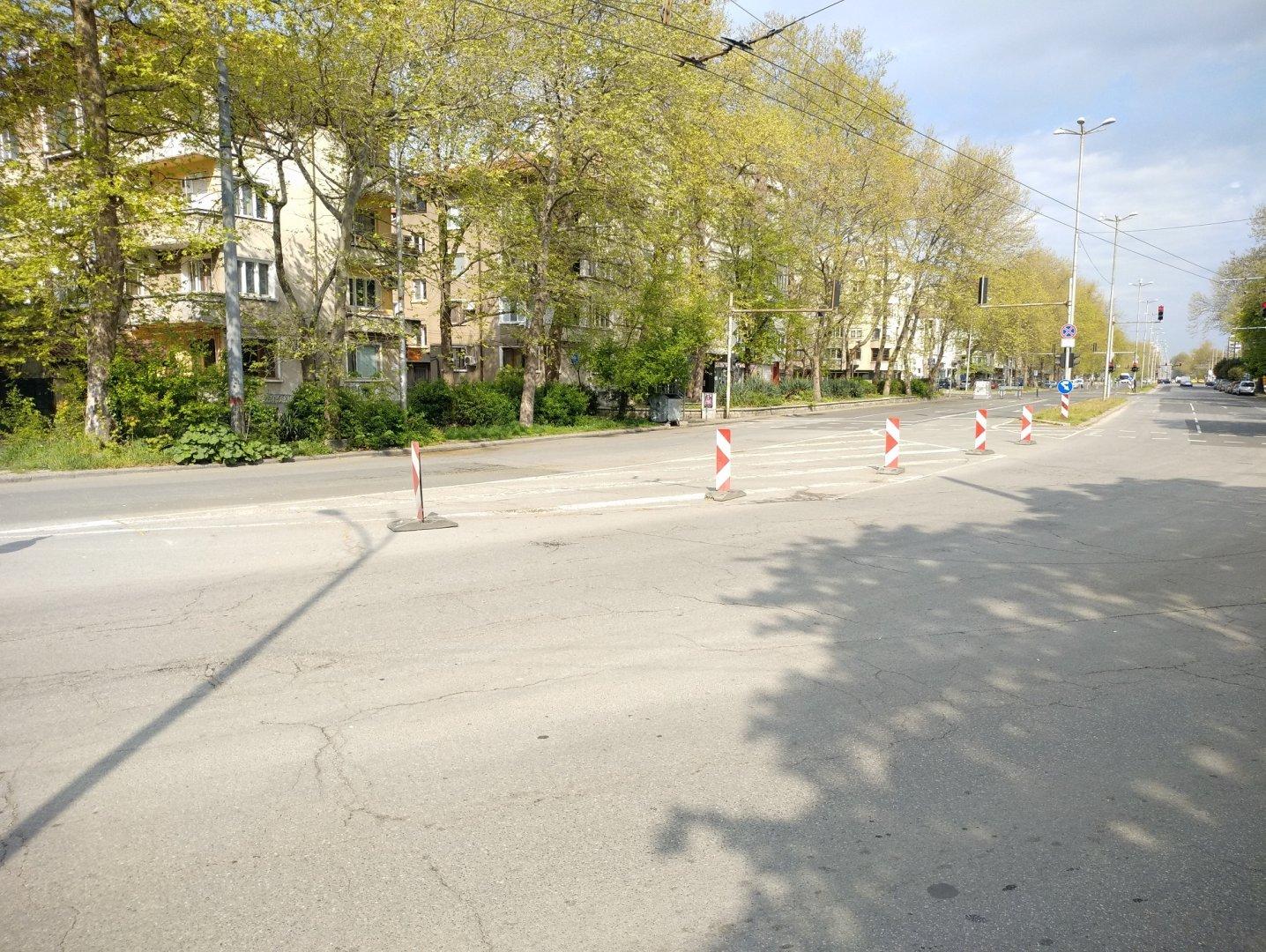 Ремонтът по булевард Демокрация продължава. Снимка Община Бургас