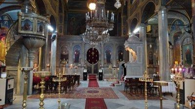 На днешния ден отдаваме почит и на свети свещеномъченикЕрмоген, патриарх Московски