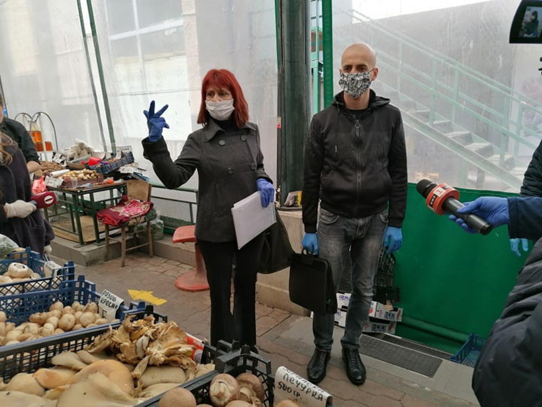 Проверките по пазарите в Бургас започнаха от днес. Снимки Черноморие-бг