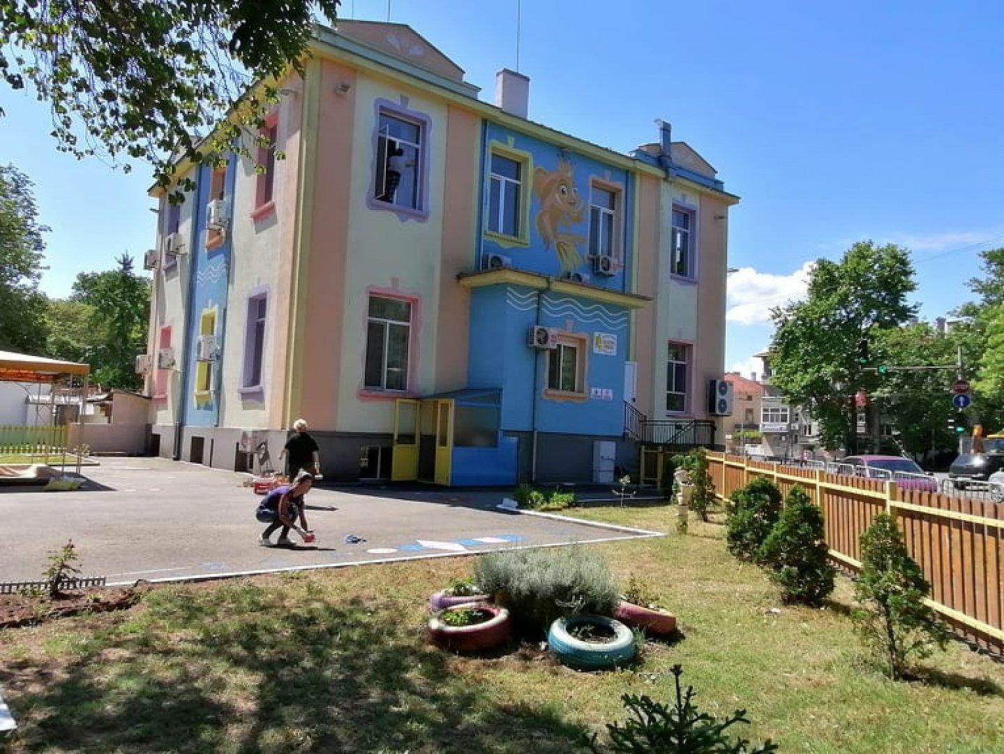Дворовете на градините бяха дезинфекцирани, а зелените площи напръскани срещу кърлежи. Снимка Архив Черноморие-бг