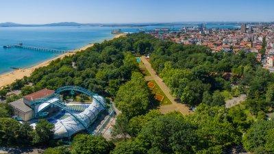 Морската градина е предпочитано място за отдих от бургазлии и гостите на града