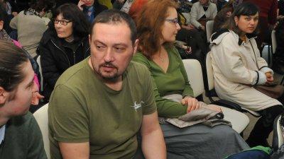 Синът на Николай Искъров - Искър не скри вълнението си от вечерта, посветена на баща му. Снимки Лина Главинова