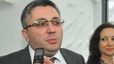 Зам.-министър Нанков участва във форума за гражданския диалог. Снимки Лина Главинова и ГЕРБ - Бургас