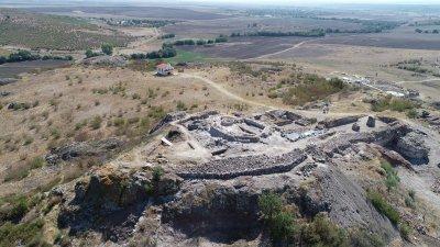 Останките от животни са открити при разкопките на крепостта. Снимка РИМ - Бургас