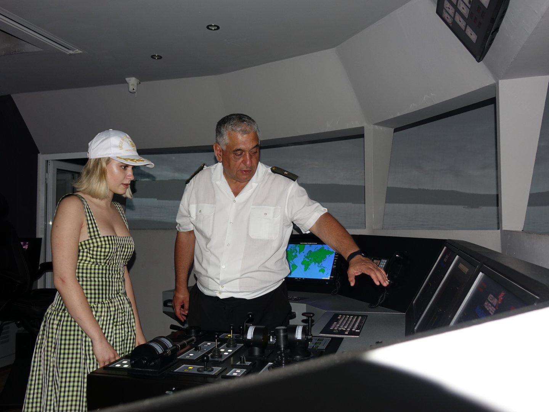 Мария Бакалова бе на посещение във ВВМУ във Варна. Снимки ВВМУ Н. Й. Вапцаров