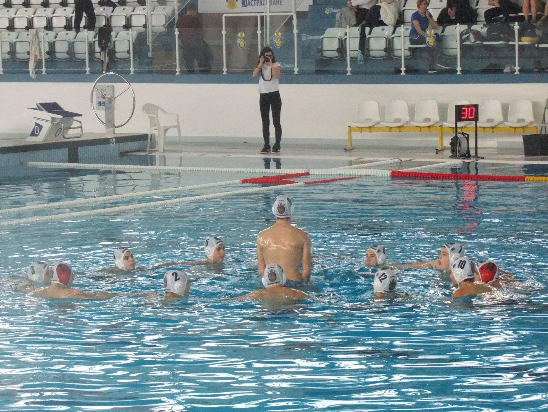 И двата отбора на Черноморецбяха водени от старши треньора в бургаския клуб Петър Йонов