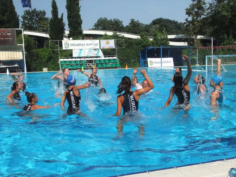 Девойките се класираха на първо място на държавното първенство. Снимки СКВТ Черноморец