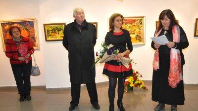 С изложбата на Елица Гигова започва новата арт година в галерия Бургас. Снимки Лина Главинова