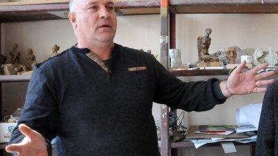 Атанас Стоянов ще отбележи юбилея си с изложба. Снимка Лина Главинова