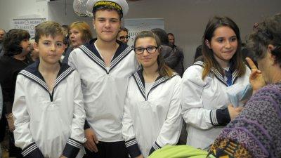 Учениците се включиха активно в Базар на професиите. Снимки Лина Главинова
