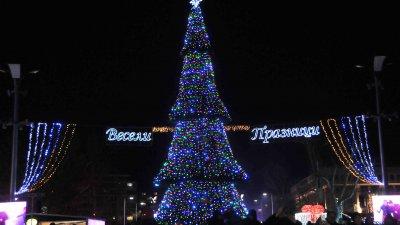 Традиционният концерт е на площад Тройката. Снимка Лина Главинова