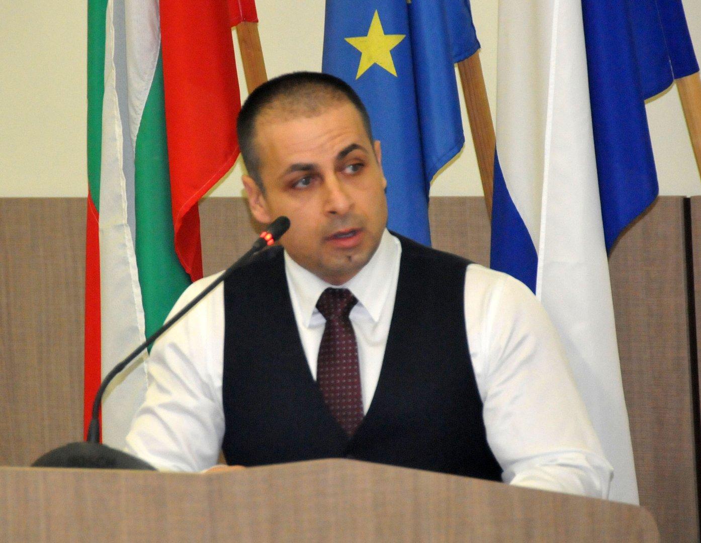 Съветникът Живко Табаков е входирал докладната по писмото на Митко Иванов. Снимка Лина Главинова