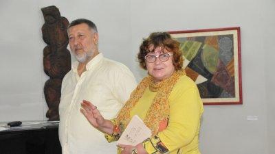 Люба Цанева откри изложбата с творби на Нерон. Снимки Лина Главинова