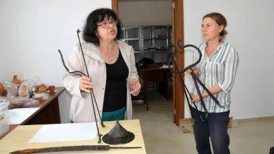 Откритото столче е второто по рода си в света, каза Красимира Костова (вляво). Снимки Лина Главинова и НАР - Деултум