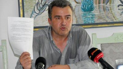 Дражев зададе и няколко въпроса, свързани със стадион и клуб Черноморец. Снимка Лина Главинова