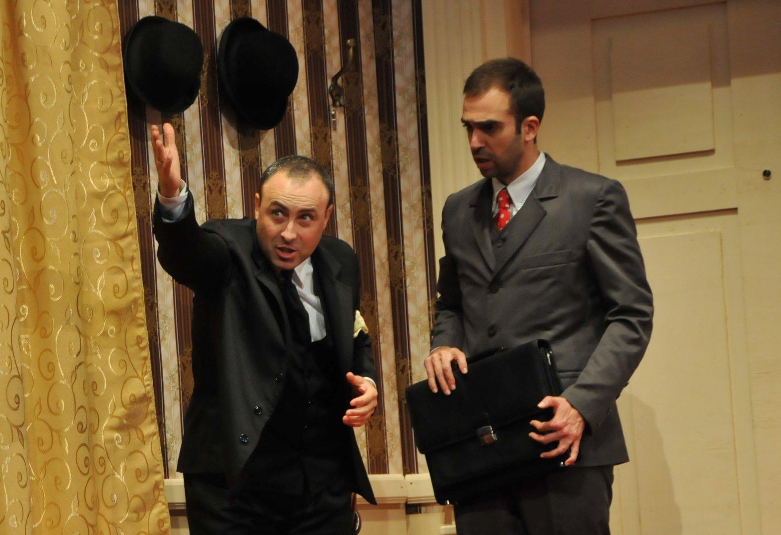 Руслан Мъйнов играе и в Стая1313 в бургаския театър. Снимка Лина Главинова