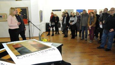 Творбите на художника Стоян Цанев могат да се видят на двата етажа в бургаската галерия Петко Задгорски. Снимки Лина Главинова