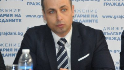 Избягвам да говора за подготовка за изборите, защото до тогава има повече от година, заяви Живко Табаков. Снимка Лина Главинова