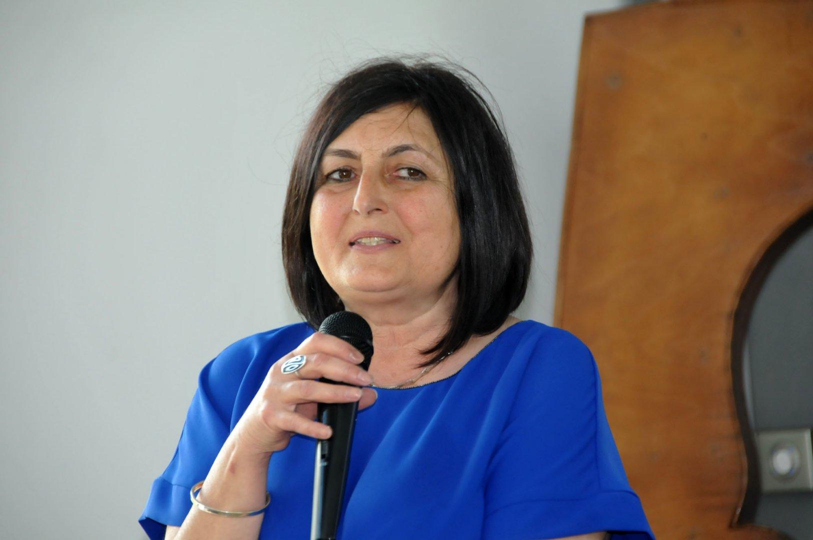 За предстоящата 2019/2020 г. в момента се подготвят документи и се обмисля коя от специалностите в гимназията да бъде новата иновативна, каза Роза Желева. Снимка Архив Черноморие-бг