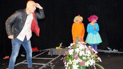 Със спектакъла Филифьонката, която вярваше в бедствия на Държавен куклен театър Бургас се откри X-то издание на фестивала Ерата на Водолея 2019. Снимка Лина Главинова