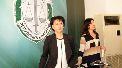 Наказанието е от една до осем години лишаване от свобода, каза Арнаудова (вляво). Снимка Лина Главинова