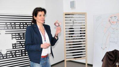 Венета Карапеева ще съчетава авиацията с арт терапията. Снимки Лина Главинова