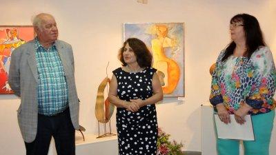 Руси Картлаков представи авторката и изложбата й. Снимки Лина Главинова