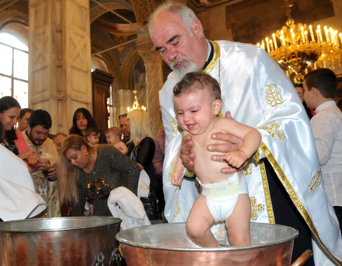 Кръщенето е свето тайнство и носи началото си от кръщението на Иисус в река Йордан. Снимка Архив Черноморие-Бг
