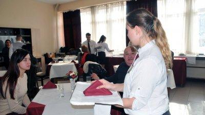 Учениците ще влизат в кабинетите за часовете по специални предмети. Снимка Архив Черноморие-бг