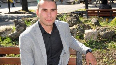Димитър Добрев е мениджър в семейната фирма. Снимка Лина Главинова