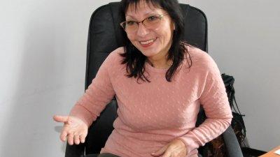 Милена Добрева успешно ръководи и дирижира три формации. Снимка Лина Главинова