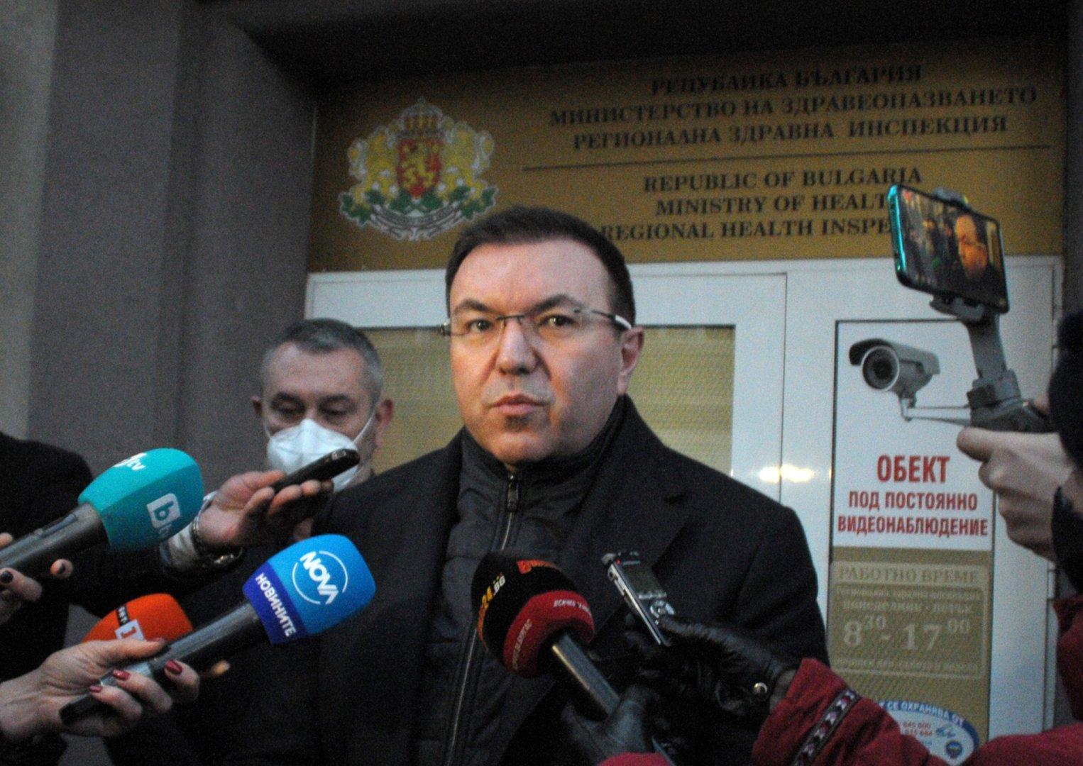 Според министър Ангелов няма проблем със забавянето на ваксинирането в страната. Снимка Черноморие-бг