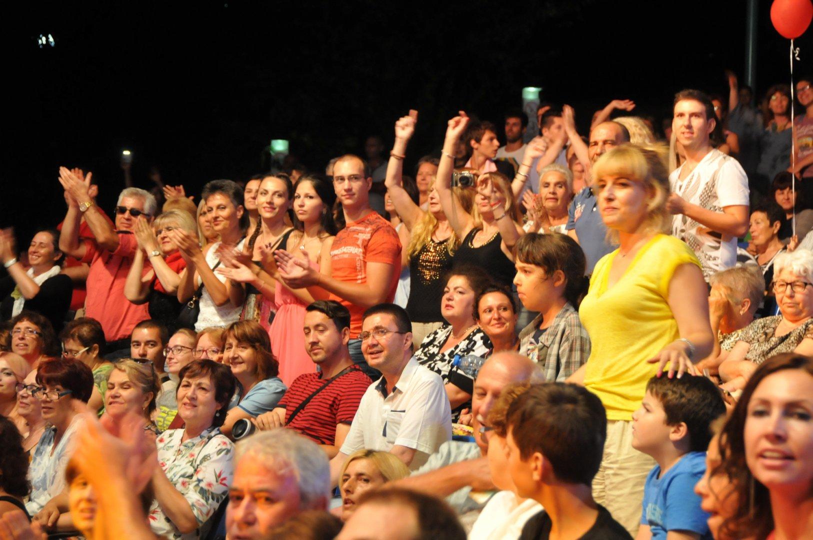 И публиката ще избира своята песен фаворит. Снимка Лина Главинова