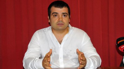 Бачийски отново още се цели в ОбС, но мълчи дали ще атакува и кметския пост в Бургас. Снимка Лина Главинова