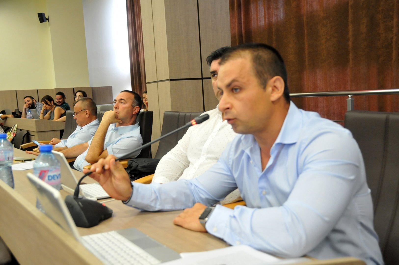 Табаков е входирал питането си в ОбС днес. Снимки Архив Черноморие-Бг