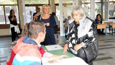 Почти 70% достигна избирателната активност в община Несебър. Снимка Лина Главинова