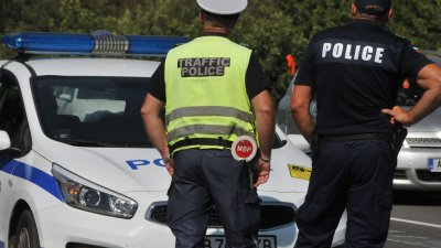 Основните сили на сектор Пътна полиция са насочени към подпомагане на автомобилния поток. Снимка Архив Черноморие-бг