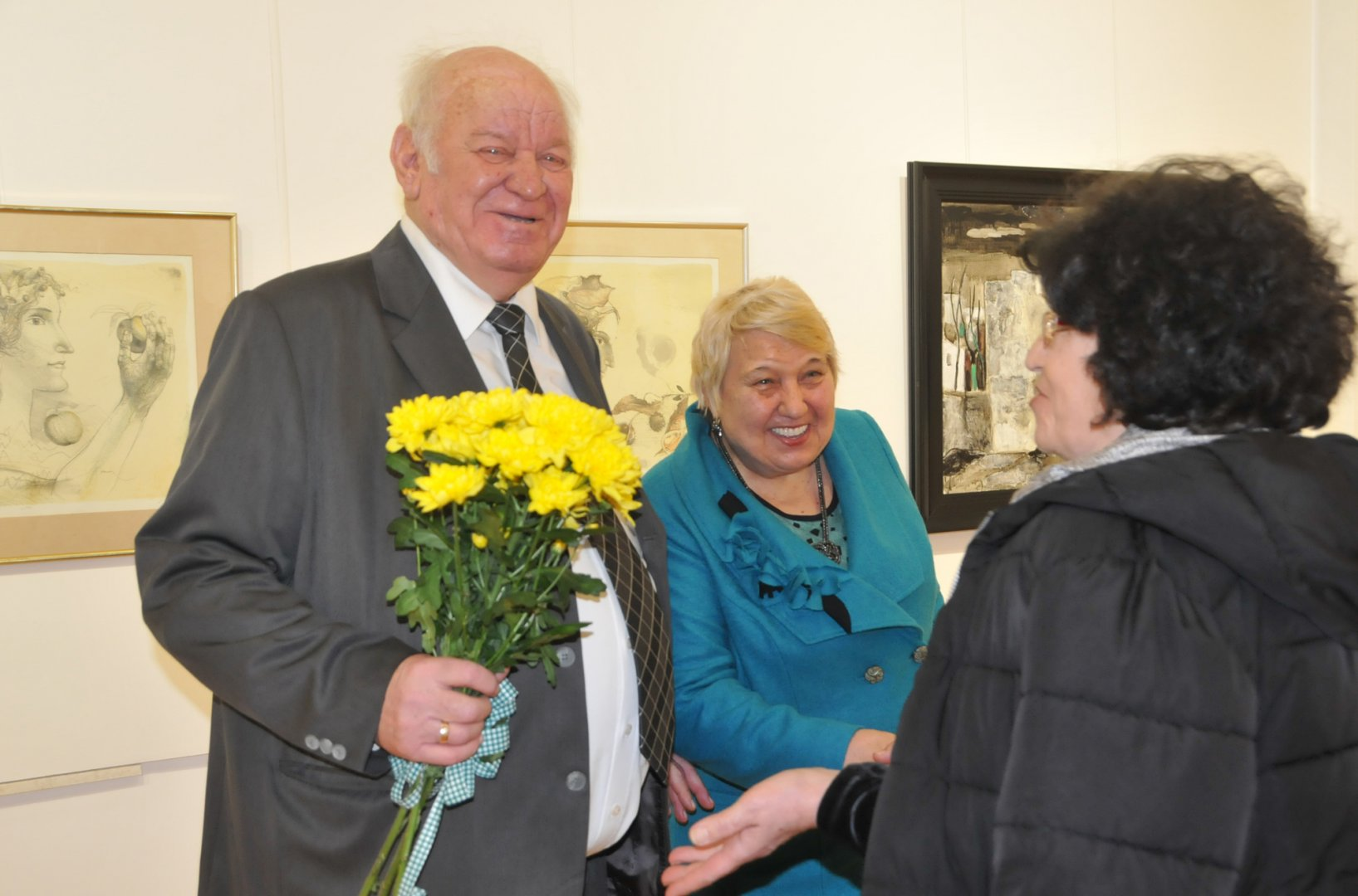 Руси Куртлаков ще открие изложба в градската галерия в Разград. Снимка Лина Главинова