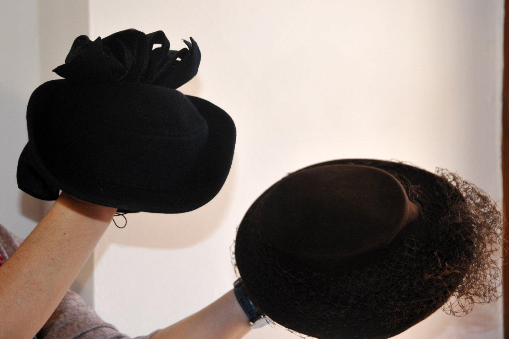 Шапките ще бъдат включени в предстоящата изложба. Снимки Лина Главинова