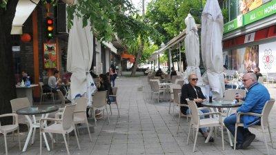 Засега рестрикцията не засяга кафенетата и ресторантите. Снимка Архив Черноморие-бг