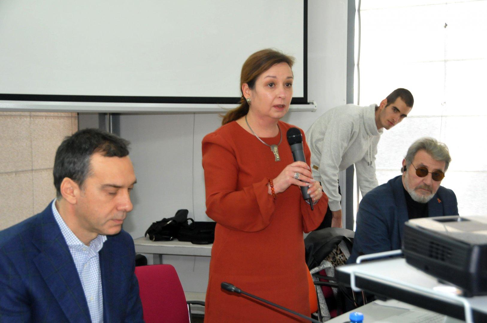Зам.-министър Русинова представи възможностите на новата схема. Снимки Лина Главинова
