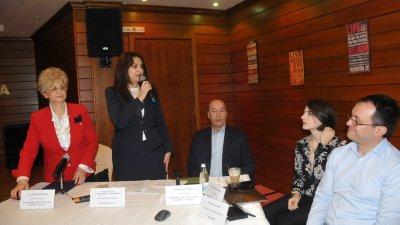 Срещата беше открита от зам.-областния управител на Бургас Севдалина Турманова. Снимки Лина Главинова