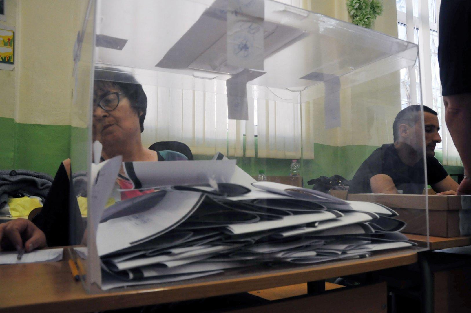 БСП е увеличила резултата с в община Бургас с над 3000 гласа в сравение с предишния евровот. Снимка Лина Главинова