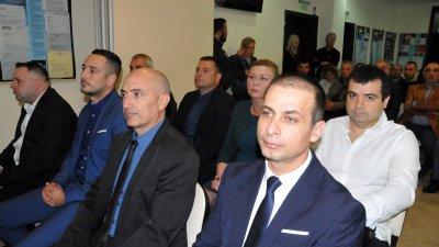 Предложението е на Манол Тодоров (вторият отляво надясно). Снимка Лина Главинова